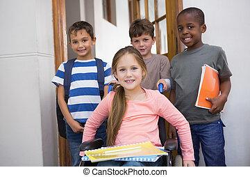 behinderten, schüler, mit, seine, friends, in, klassenzimmer