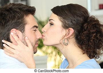 beijando, mulher, dela, namorado