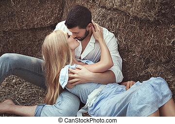 beijando, mulher, homem, palheiro