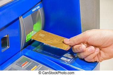 beillesztő, nő, atm, kéz, machine., closeup, debit kártya