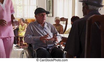 bejaarden, invalide, mensen, op, wheelchair, in, ziekenhuis, voor, ouwetjes