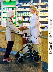 bejaarden, klant, gebruik, walker, met, apotheker