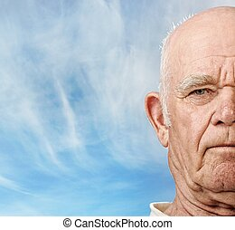 bejaarden, man's, gezicht, op, blauwe hemel