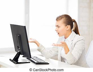 beklemtoonde, student, met, computer, in, kantoor