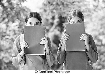 bekommen, klein, genießen, literature., mehr, buchausleihe, gesichter, bookworms., childrens, decke, fiktion, non-fiction, lesende , knowledge., books., buecher, wenig, list., kinder, sommer