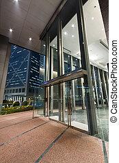 belépés, közül, egy, modern épület, éjjel, alatt, hong kong