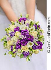beleza, buquê casamento, de, violeta, e, branca, rosas