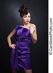 beleza, -, excitado, impressionante, morena, menina, em, romanticos, pose, e, elegante, vestido