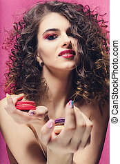 beleza, modelo moda, menina, com, colorido, manicure, levando, coloridos, macaroons