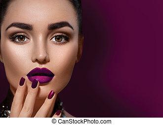 beleza, morena, mulher, com, perfeitos, maquilagem, isolado, ligado, borgonha, colora experiência