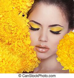 beleza, portrait., bonito, spa, mulher, sobre, amarela, flowers., eyes., perfeitos, fresco, skin., puro, beleza, modelo, girl., bonito, face., juventude, e, cuidado pele, conceito