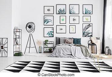 beliggende, king-size, pillows, stor, tæppe, lampe, gråne, seng, plastik, sort, lagener, soveværelse, interior, studio, stol, mange, strikke, hvid, gulvtæppe