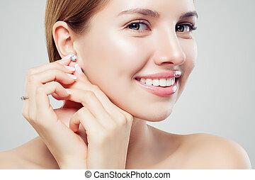 bella donna, gioielleria, anello, faccia, diamante, closeup, model., ritratto, orecchini