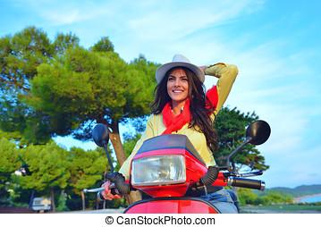 bella donna, italia, colline, seduta, scooter, giovane, italiano