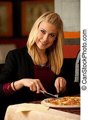 bella donna, mangiare, ristorante, giovane, biondo, pizza