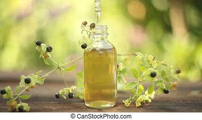 belladonna, essentiële olie, in, mooi, fles, op, tafel