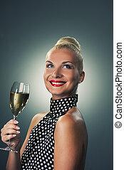 belle femme, à, a, verre champagne