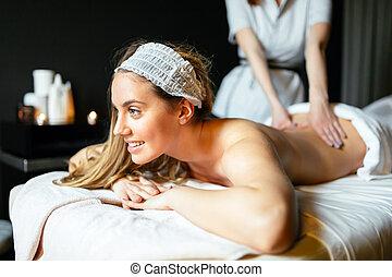 belle femme, apprécier, masage