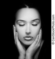belle femme, beauté, figure, sombre, portrait., mains
