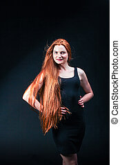 belle femme, beauté, sain, jeune, long, portrait., gingembre, hair., fille noire, rouges