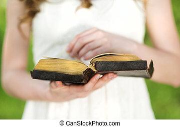 belle femme, bible