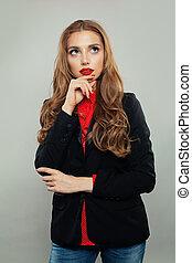 belle femme, business, haut, regarder, arrière-plan., costume noir, portrait, modèle, blanc
