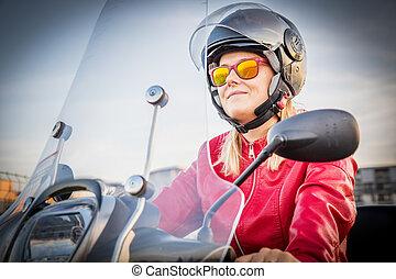 belle femme, city., scooter, jeune, vélomoteur, équitation, portrait