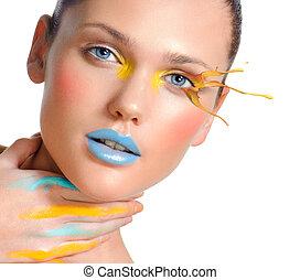 belle femme, closeup, produits de beauté, maquillage, portrait