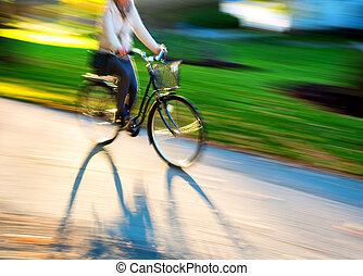 belle femme, cyclisme, paysage
