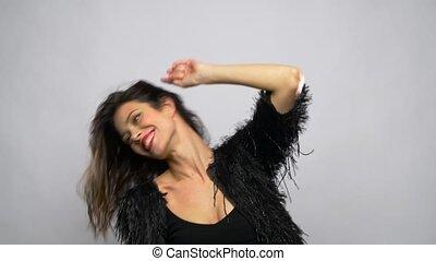 belle femme, danse, jeune, sourire heureux
