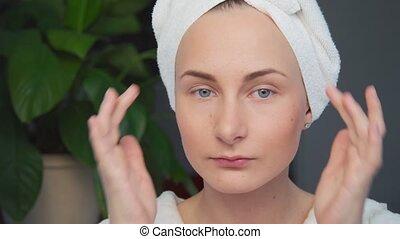 belle femme, demande, face., jeune, crème