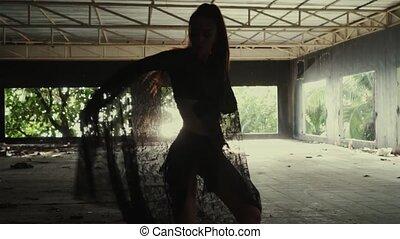 belle femme, dentelle, tissu, danse
