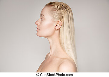 belle femme, directement, jeune, longs cheveux, blonds, portrait