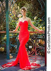 belle femme, extérieur, portrait, robe, rouges