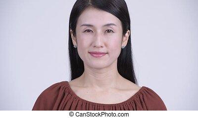 belle femme, figure, regarder, appareil photo, asiatique