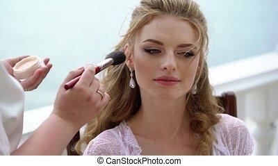 belle femme, fonctionnement, artiste, maquillage, jeune professionnel