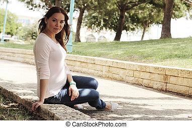 belle femme, jeune, pregnant