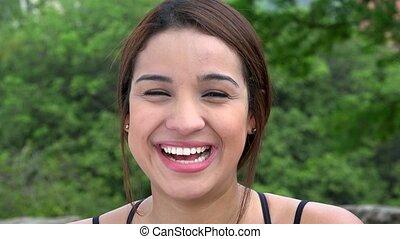belle femme, jeune, rire