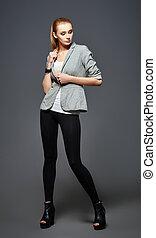belle femme, jeune, veste, jambières, mode, studio, shot: