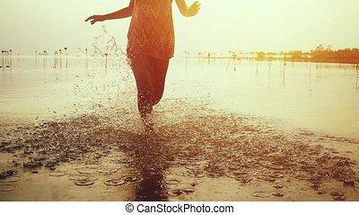 belle femme, lent, 1920x1080, robe, motion., jeune, courant, court, pendant, plage, hd, sunset.