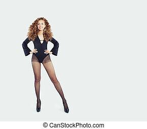 belle femme, mur, collants, mode, arrière-plan noir, modèle, blanc