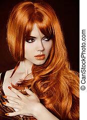 belle femme, nails., bouclé, sain, sur, manucuré, longs cheveux, soir, maquillage, black., hair., rouges