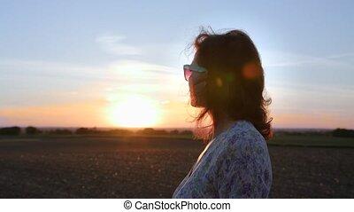 belle femme, nature, jeune, apprécier, sunset.