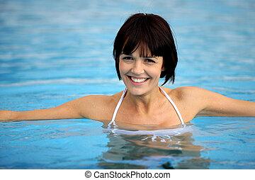 belle femme, piscine, natation