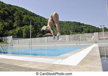 belle femme, piscine, relâcher