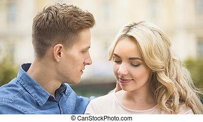 belle femme, romantique, passionately, jeune regarder, date, homme, relation