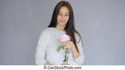 belle femme, rose, élégant, fleur, tenue