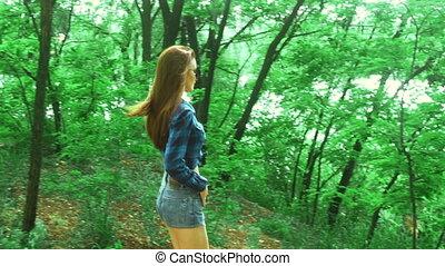 belle femme, short, parc, jean, jeune, promenades
