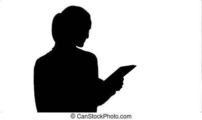 belle femme, silhouette, tablet., jeune regarder, quoique, rire, numérique