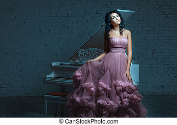 belle femme, suivant, poser, piano., blanc